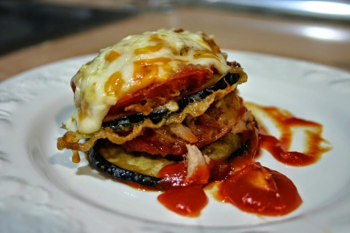 milhoja-de-berenjena-y-calabacin-con-tomate.jpg